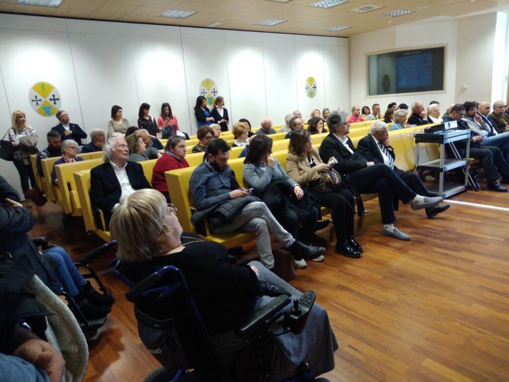 Foto della presentazione della ricerca nella Sala gialla della Regione Calabria. I partecipanti.